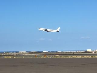 The DC8 departs Kona for American Samoa (credit: Dave Jordan)